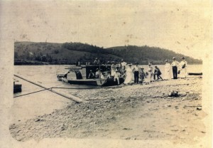 Ferry from Rabbit Hash to Rising Sun circa 1890's